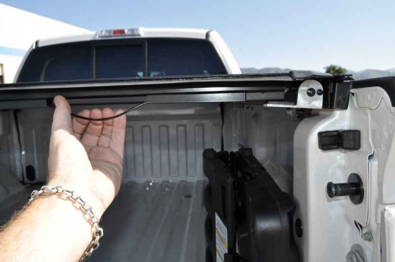 roll-x-hard-rolling-tonneau-cover-8
